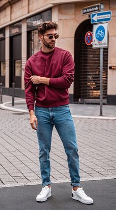 Here are 10 Cool Date Outfits for you to woo your women with your dressing skills Trendy Mens Fashion, Stylish Mens Outfits, Male Summer Fashion, Casual Clothes For Men, Men's Casual Fashion, Men Fashion Casual, Casual Look For Men, Cool Outfits For Men, Fashion 2020