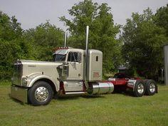 kenworth exhd aerodyne for sale Show Trucks, Big Rig Trucks, Old Trucks, Custom Big Rigs, Custom Trucks, Kenworth Trucks, Peterbilt, Diesel Cars, Diesel Trucks