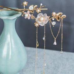 Fancy Jewellery, Cute Jewelry, Hair Jewelry, Jewelry Crafts, Unique Jewelry, Japanese Jewelry, Bride Hair Accessories, Fantasy Jewelry, Hair Pins