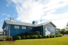 #PEIFavourites> Stop by Prince Edward Distillery for guided tours and PEI #PotatoVodka> http://bit.ly/1tcbbT8