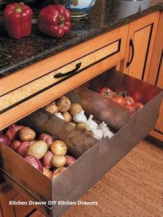 Eco friendly food storage ideas and fresh produce storage solutions keep food nutritious for longer time, save energy and improve kitchen design by adding Green designs to modern homes Diy Kitchen Storage, Kitchen Cabinet Organization, Smart Kitchen, Kitchen Drawers, Kitchen Cabinetry, Kitchen Pantry, New Kitchen, Organization Ideas, Storage Ideas