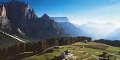 L'altopiano Ciampedie in Trentino, il punto di partenza del giro panoramico del Catinaccio.