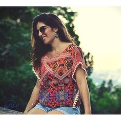 """Outra estampa de nossas novas blusinhas """"poncho"""" ... Adoro !!! Coleção outono no Ateliê Juju  #adoroateliejuju #moda2016 #quemfezminhasroupas #feitoamao #feitonobrasil #amor #amigas #girls #goodvibes #riodejaneiro #errejota #brasil #brasilsurfgirls #gypsysoul"""