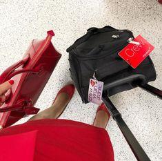【イギリス】ヴァージン・アトランティック航空 客室乗務員 / Virgin Atlantic Airways cabin crew【UK】 Celine Luggage, Luggage Bags, Grace Perry, Photo And Video, Instagram