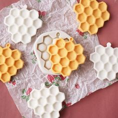 Assorted Chocolate Molds 3 Pack Springtime,Sunflowers,Honeycomb,Bees