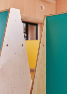 When designing the screens, UNIT Fabrications chose to combine the timber with bright colours so that the children didn't immediately associate the furniture with the current pandemic.