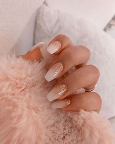 Semi-permanent varnish, false nails, patches: which manicure to choose? - My Nails Simple Acrylic Nails, Summer Acrylic Nails, Best Acrylic Nails, Natural Acrylic Nails, Acrylic Gel, Simple Nails, Nagellack Design, Nagellack Trends, Pink Nail Designs