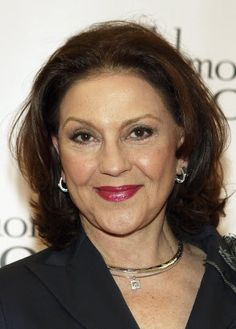 kelly bishop twitter