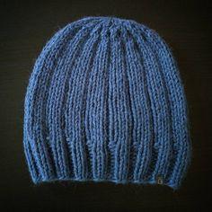 *kuscheliges für kalte Tage* ❇✴❇ #diy #loveknitting #alpaca #merino #wool #stricken #wolle #alpaka #knit #knitting #haube #mütze #hood knit@lumiqi.com Love Knitting, Alpaca, Knitted Hats, Hoods, Fashion, Wool, Breien, Moda, Cowls