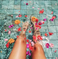 31 Ideas For Bath Photography Summer Time Summer Goals, Summer Of Love, Summer Fun, Summer Legs, Summer Glow, Summer Aesthetic, Flower Aesthetic, Blue Aesthetic, Aesthetic Fashion