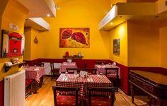 Де поїсти в Будапешті. 10 недорогих закладів з смачною угорською кухнею. Conference Room, Table, Furniture, Home Decor, Homemade Home Decor, Meeting Rooms, Tables, Home Furnishings, Interior Design
