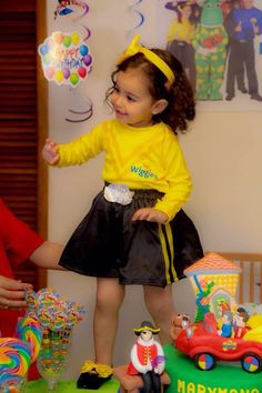 A mini Emma has a Wiggly Party! #thewiggles #miniemmaarmy #emmawiggle #dressup