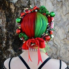 5 Christmas Hair Trends 2018 – rainbow hair color Best Picture For christmas fondos For Your Taste You are looking for something, and it is going to tell you exactly … Diy Hair Dye, Dyed Hair, Diy Haarfärbemittel, Hair Rainbow, Crazy Hair Days, Hair Wreaths, Hair Color Dark, Hair Colour, Christmas Hairstyles