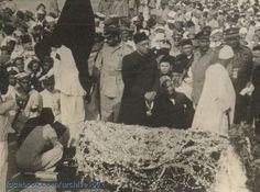 12 september 1948 A rare moment before the funeral prayer of National leader Quaid Azam muhammad ali jinnah