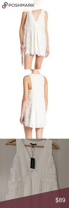 4b8807524251 Dolce Vita Sleeveless Ivory Mini Dress. - Surplice V-neck - Sleeveless -  Knit