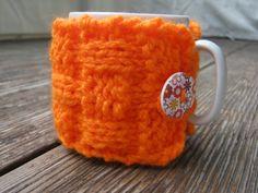 Pletený obal - svetřík na hrnek - oranžový