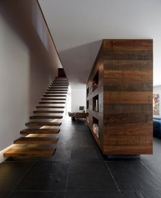 Floating Wooden Staircase at Contemporary Green House Design in Estoril by Frederico Valsassina Arquitectos Amazing Archotecture @ Home Ideas Worth Pinning Green House Design, Modern House Design, Wooden Staircases, Stairways, Architecture Design, Installation Architecture, Stairs Architecture, Escalier Design, Floating Staircase