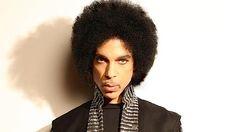 Mise à jour 16/11/2015 : TOURNÉE REPOUSSÉE Samedi soir, Prince convoquait une poignée de journalistes européens pour leur annoncer sa nouvelle tournée : Prince Spotlight: Piano & A Microphone. Le concept ? Prince seul sur scène avec un piano à queue et un micro. Une tournée ...