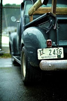 Vintage Pick-up Truck ~ Teal Old Pickup, Pickup Trucks, Gmc Trucks, Classic Chevy Trucks, Classic Cars, Pick Up, Cool Trucks, Cool Cars, Audi Rs3 8v