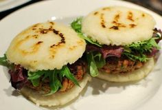 Arepas - A staple of any Venezuelan's diet. :) You can stuff them with anything. I prefer queso fresco with ham. My Colombian Recipes, Colombian Food, Cuban Recipes, Venezuelan Food, National Dish, Avocado, Cooking Recipes, Healthy Recipes, Healthy Food