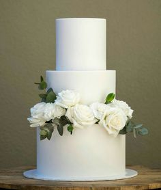 Clean + simple wedding style 🌿Flavours: sticky date cake with salted caramel Swiss meringue buttercream and salted caramel sauce; white chocolate & raspberry mudcake with white chocolate swiss meringu Fondant Wedding Cakes, Buttercream Wedding Cake, White Wedding Cakes, Elegant Wedding Cakes, Wedding Cake Designs, Buttercream Roses, Cake Fondant, Wedding White, Trendy Wedding