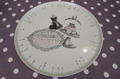 grand plat à tarte diviseur de parts, rond , en porcelaine peinte à la main : Vaisselle, verres par manu-passion-porcelaine