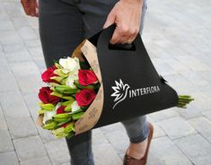 rebrand introduces a modern and personal feel to this established flower delivery service, aiming to attract a wider market. The design represents a graceful and elegant brand which networks globally, delivering beautiful floral gifts. Flower Bag, Flower Boxes, Flower Delivery Service, Gift Delivery, How To Wrap Flowers, Flowers Uk, Flower Packaging, Most Beautiful Flowers, Packaging Design Inspiration