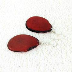 Donker rode oorbellen van Tagua noten - vet Chunky oorbellen - Eco oorbellen - Fair Trade Jewelry - rode parel oorbellen - Tagua noten sieraden 3200