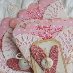 Love these Valentine doily pocket cards!