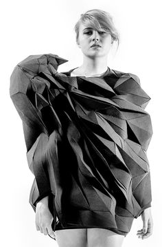 3D t-shirt - sculptural fashion design; structured geometric construction