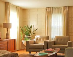 Use a decorative, mid-century living room screen as a headboard - Retro Renovation Mid Century Modern Living Room, Mid Century Modern Decor, Mid Century House, Mid Century Design, Midcentury Modern, Mid Century Modern Curtains, Modern Retro, Modern Room, Accent Walls In Living Room