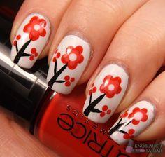 Das Geheimnis der Knoblauchsalami: Plum Blossom Nail Art