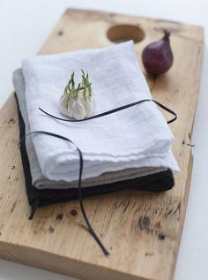 linen, linen, linen <3 Tableware, Design, Dinnerware, Tablewares, Dishes, Place Settings
