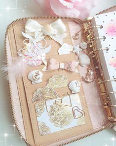 new set up i like that summmer feeling in this decoration #filofax#filofaxing#filofaxdeutschland#planner#plannerlove#plannergirl#katespadeplanner#katespade#plannercommunity#plannercharm#kikkik#kikkikplanner#stationery#washitape#plannergoodies#planneraddict#plannernerd#plannersupplies#summer#pink#erincondren#stickers#kawaii#etsyshop#paperclips#plannerdecoration#scrapbooking#anchor by bella_rica_design