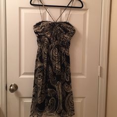 Adrianna Papell silk dress Adrianna Papell silk dress. In amazing condition. Looks brand new. Adrianna Papell Dresses