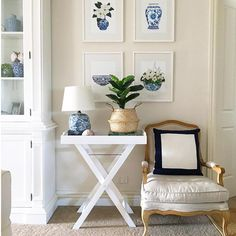 Country style home. Artwork by Sprout Gallery. The post Hamptons style. Country style home. Artwork by Sprout Gallery…. appeared first on Post Decor . Beach Cottage Style, Beach House Decor, Coastal Style, Coastal Decor, Coastal Cottage, Coastal Living, Lake Cottage, Modern Coastal, Tropical Decor