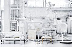 RUM – white on white  2008 NO. 09    Photographer: Mikkel Rahr Mortensen Stylist: Gitte Kjær go Helle Walsted