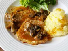 Pork cutlets with mushroom Romanian Food, Romanian Recipes, Pork Cutlets, Mashed Potatoes, Foodies, Cake Recipes, Grilling, Stuffed Mushrooms, Good Food
