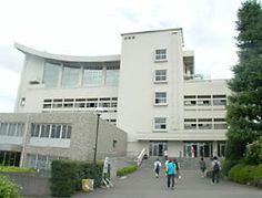 専修大学 生田校舎 3号館。 耐震上問題有りで、取り壊されたそうです。。