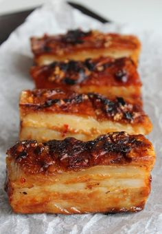 Pork Recipes Cider and Chilli Pork Belly, perfect for a Sunday dinner Pork Belly Slices, Honey And Soy Sauce, Boite A Lunch, Chicharrones, Good Food, Yummy Food, Lard, Pork Dishes, Sweet And Salty