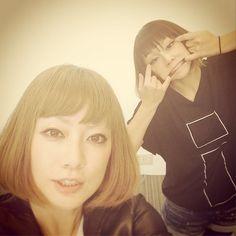 Ami Onuki & Yumi Yoshimura : Ami, se ve linda!!! Mientras Yumi, haciendo caritas, jajaja!!!  En fin, saludos!!!   puffy_4ever