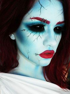 Maquillage Halloween Femmes - Halloween make-up Looks Halloween, Halloween Zombie, Halloween 2014, Halloween Costumes Women Scary, Costume Halloween, Raccoon Halloween, Sally Costume, Halloween Inspo, Holiday Costumes