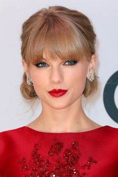Cool Taylor Swift dresses Taylor Swift's greatest beauty moments Check more at http://24shop.ga/fashion/taylor-swift-dresses-taylor-swifts-greatest-beauty-moments/