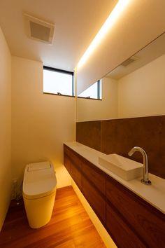 haus-flat トイレ: 一級建築士事務所hausが手掛けた浴室です。