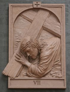 The fourteen stations of The Cross was commisioned by St. Raphael Church in Naperville Illinois Koh-Varilla Guild Jeff Varilla & Anna Koh Varilla Christian Symbols, Christian Art, Religious Images, Religious Art, Sculpture Clay, Sculptures, Grizzly Woodworking, Intarsia Woodworking, Jesus E Maria