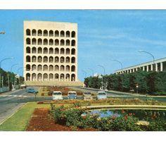 """1961 Italian postcard portraying """"Palazzo della Civiltà Italiana"""" in Rome"""