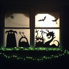 Scary But Creative DIY Halloween Window Decorations Ideas You Should Try 68 - Halloween decorations Video Halloween, Holidays Halloween, Spooky Halloween, Halloween Themes, Halloween Crafts, Diy Halloween Cards, Diy Halloween Window Silhouettes, Diy Halloween Window Decorations, Adornos Halloween