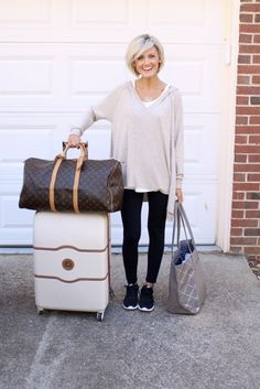 Travel Guide – What to Wear + Packing Tips – Loverly Grey – comfy travel outfit summer Travel Attire, Comfy Travel Outfit, Fall Travel Outfit, Travel Wear, Travel Outfits, Travel Style, Travelling Outfits, Packing Outfits, Capsule Outfits
