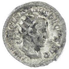 Traianus Decius Antoninian  Av: IMP C M Q TRAIANVS DECIVS AVG drapierte Panzerbüste mit Strahlenkrone nach rechts, Rv: GENIVS EXERC ILLVRICIANI Genius mit Patera und Füllhorn nach links stehend, rechts Standarte