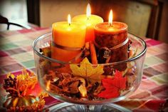 Fall leaf centerpiece with glowing candles 秋のクラフト
